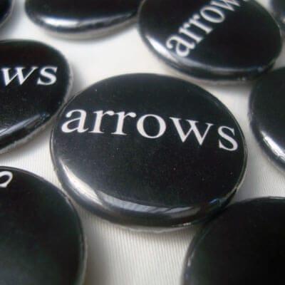 button-arrows-logo